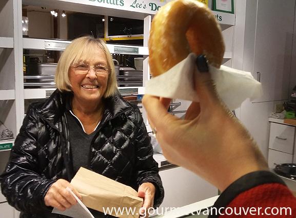 Dine Out Vancouver外一章:Granville Island Market Tour thumbnail