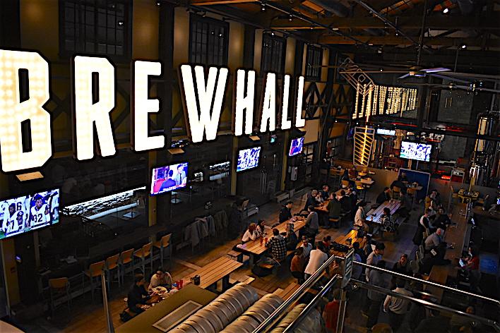 Brewhall:漢堡包加凍啤酒,看球賽怎少得了它。 thumbnail